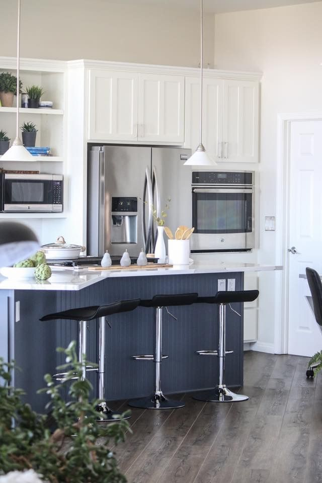 Best Benjamin Moore Cabinets Trim Simply White Island 400 x 300