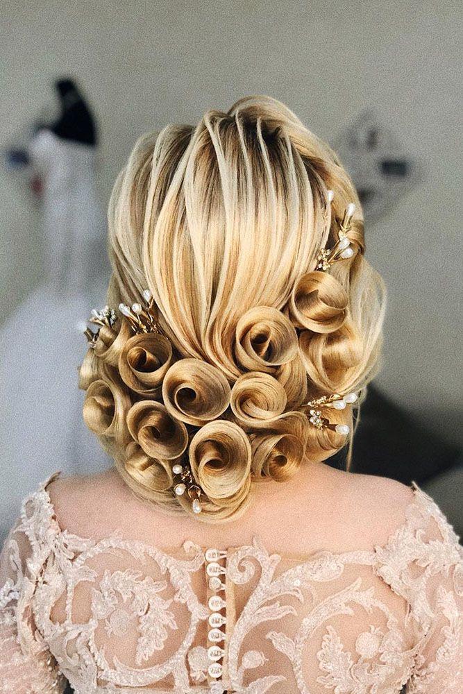 36 Always Feminine Vintage Wedding Hairstyles Wedding Forward Elegant Hairstyles Curly Hair Styles Naturally Vintage Hairstyles