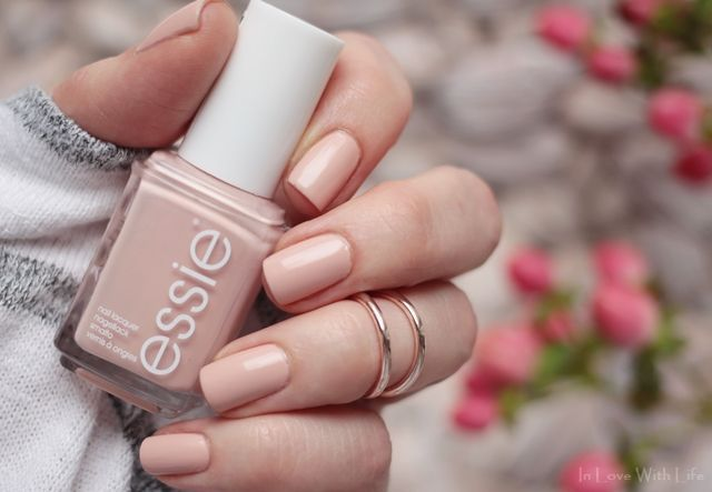 Nail Polishes For Job Interviews Feat Essie Spin The Bottle My Favourite In 2020 Nail Polish Neutral Nails Interview Nails