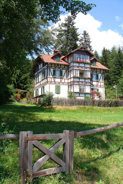 The house in the woods - Ritten Plateau, Trentino-Alto Adige, Italy