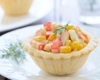 Petite tartelette au surimi et maïs : http://www.fourchette-et-bikini.fr/recettes/recettes-minceur/petite-tartelette-au-surimi-et-mais.html