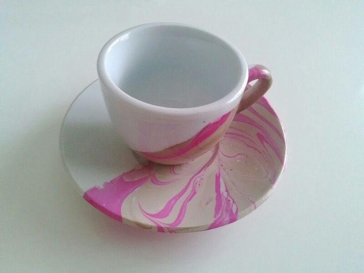Water marble coffee mug with nail polish  Tazze da caffè personalizzate facilissime per pri…: https://youtu.be/YtkHS80qEPI