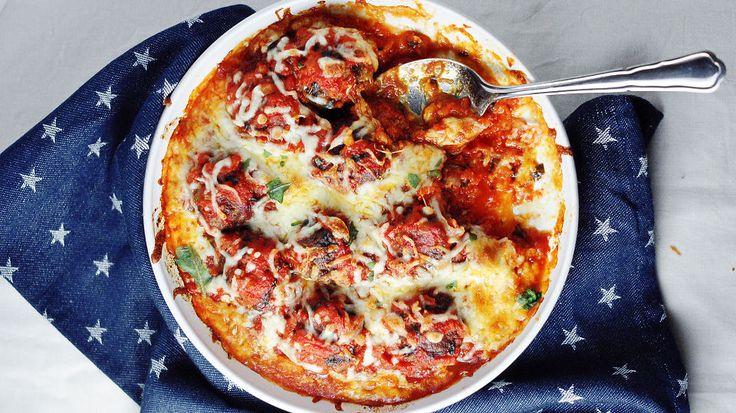 Digg! Kjøttboller i tomatsaus med smeltet mozarella er kosemat som alle kan like. Ukens matblogger Mette Lindgren deler sin beste oppskrift.
