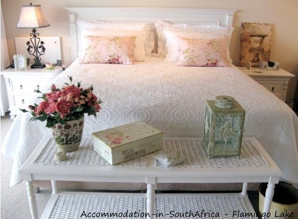 Flamingo Lake Self Catering accommodation. http://www.accommodation-in-southafrica.co.za/WesternCape/Hermanus/FlamingoLakeSelfCateringCottages.aspx