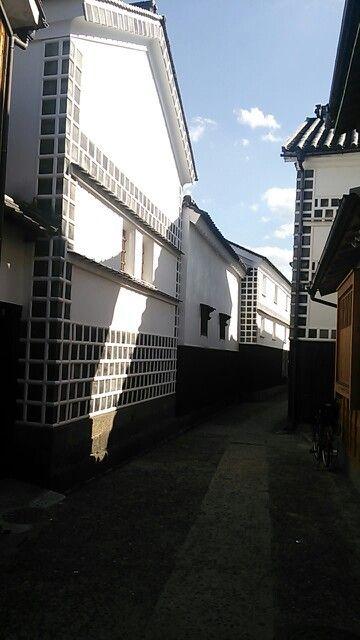The Lane of Kurashiki Old Buildings.