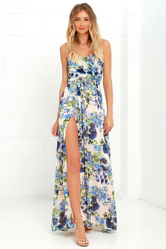 With a dreamy floral print and ethereal silhouette, the Sweet Symphony Blue Floral Print Strapless Maxi Dress is like music to our ears! Draping…