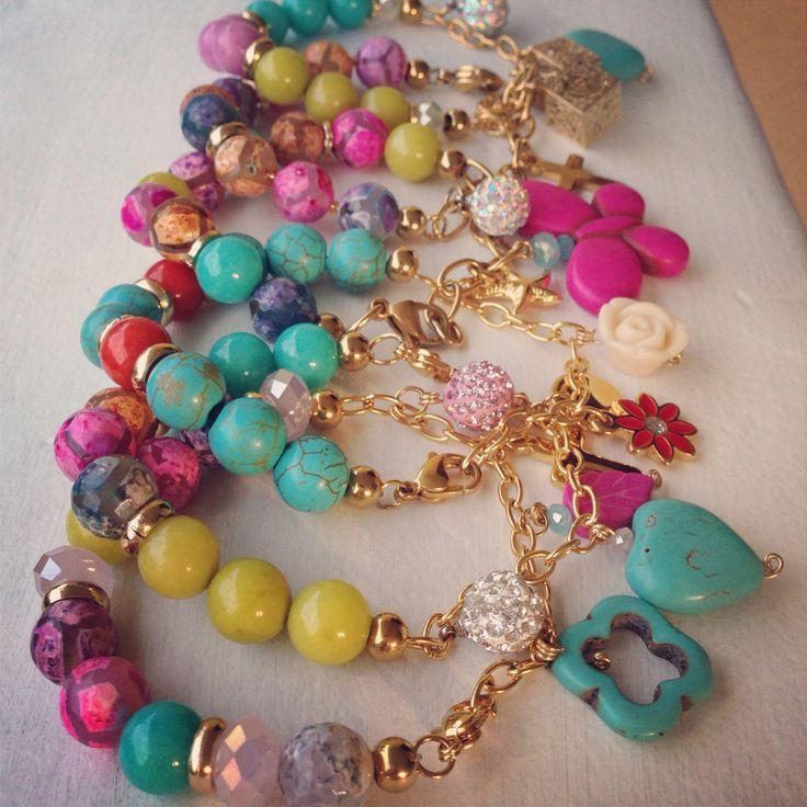 Multicolor bracelet by Luz Marina Valero