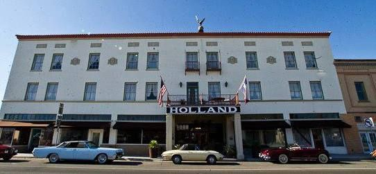 Texas | Travel | Alpine | West Texas | Haunted | Spooky | Creepy | Haunted Hotel | Haunted Hotels | Holland Hotel | Ghosts | Halloween