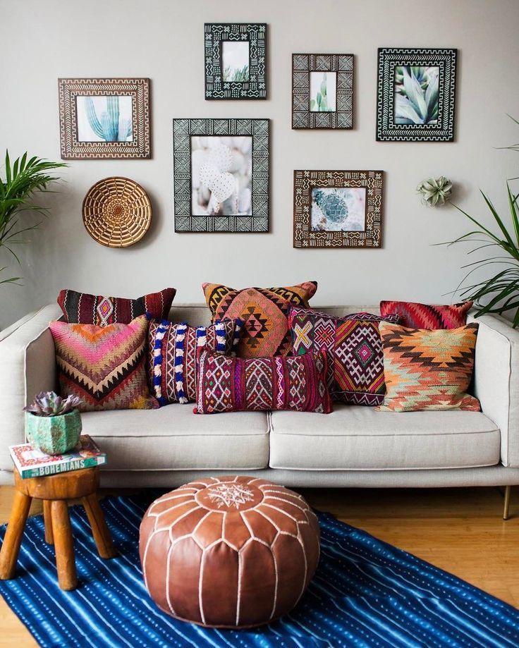 Motivos étnicos Elmueble Decoración Estilosdeco Boho Chic Estiloboho Chic Boho Livingroom Boho Chic Living Room Chic Living Room Trending Decor
