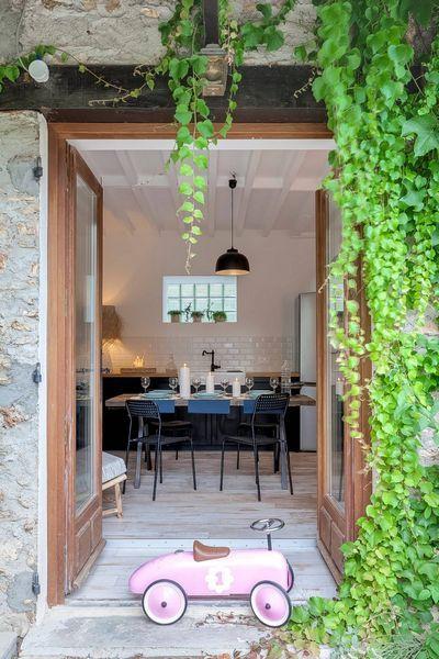Home in Paris by Inside Renovation & Decoration d'interieurs