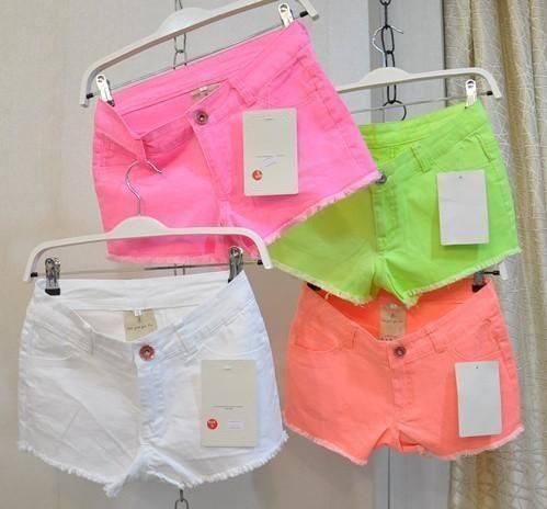 Яркие шорты