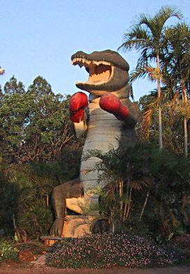 Big Things in Australia - Boxing Croc at Humpty Doo, Northern Territory