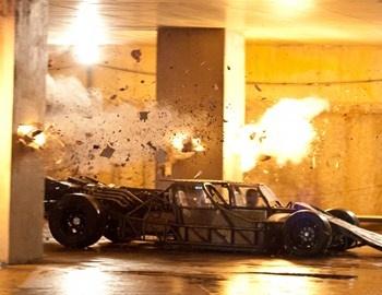 """Οι ταινίες της σειράς """"Fast and Furious"""" υπάρχουν για να περνάς ένα ευχάριστο δίωρο χωρίς ανάλυση και τα σχετικά. Στη νέα με τον αριθμό 6, ο πράκτορας Luke Hobbs συνεργάζεται με τον Dominic Toretto και"""