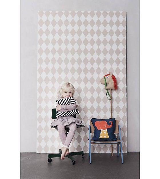 Ferm Living Harlequin carta da parati, rosa / bianco, 10,05 x0, 53m - lefliving.com