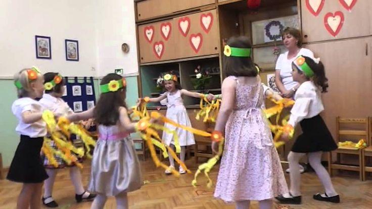 Kerek Világ Óvoda-Anyák napi műsor-1 2013