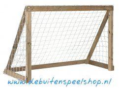 Houten Voetbaldoel van Plum. Afmetingen: 180x120x90 cm. €175.- http://www.debuitenspeelshop.nl/voetbaldoelen/houten-voetbaldoel-180x120-cm/