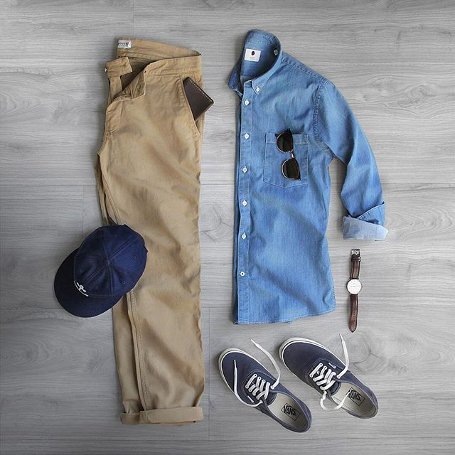 WEBSTA @ thepacman82 - Making my way through Monday.Chinos: @nonationality07 Marco 1200 KhakiShirt: @nonationality07 Falk Slim FitGlasses: @persolWallet: @starkmadeShoes: @vans for @jcrewWatch: @danielwellingtonHat: @kyle.j.wilson