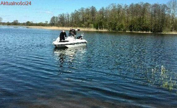 Szukają wędkarza, który wypadł z łodzi do jeziora Druglin nieopodal Ełku