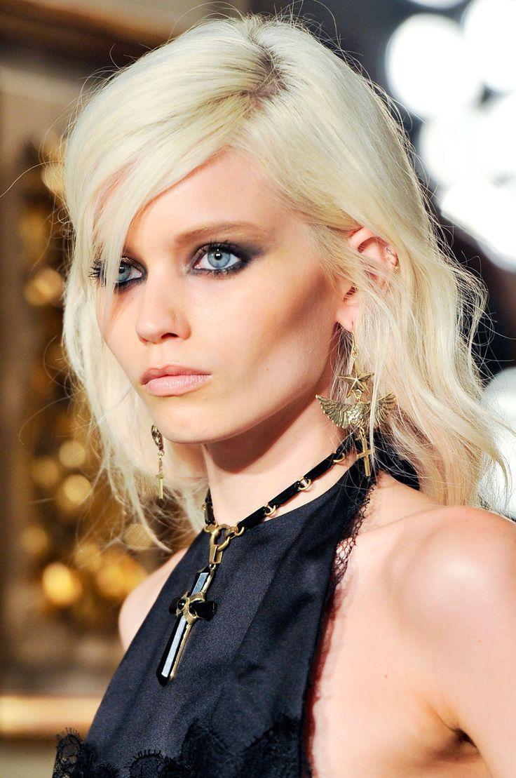 gorgeous blonde hair on a gorgeous blonde woman