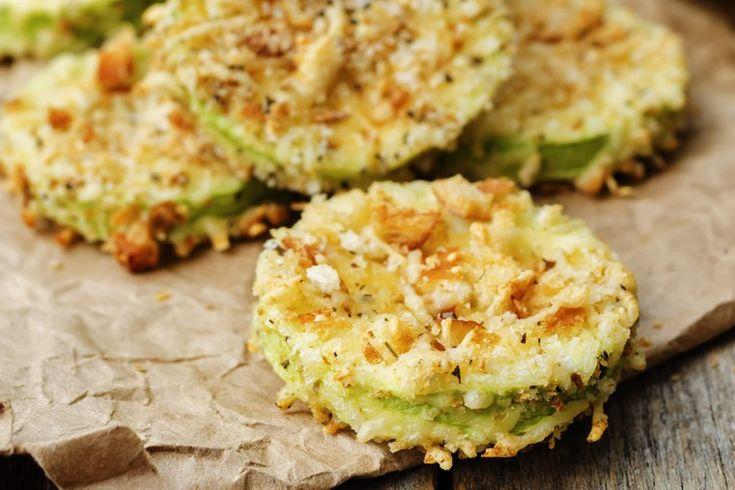 Le zucchine gratinate al parmigiano sono un contorno sfizioso, facilissimo da preparare ma che risulta molto goloso. Ecco la ricetta