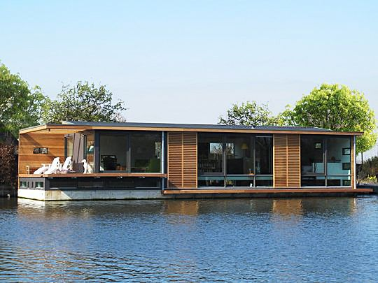 727 best boothuis images on pinterest floating architecture floating house and houseboats. Black Bedroom Furniture Sets. Home Design Ideas