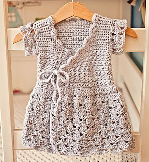 Perfect little summer dress for your little one inspired by classic wrap dress! It is easy and fun to make, very comfortable to wear and super cute!
