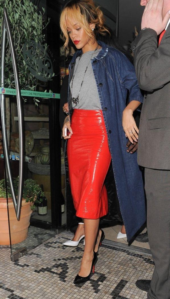Rihanna hits Manchester for Diamonds World Tour fan greet her