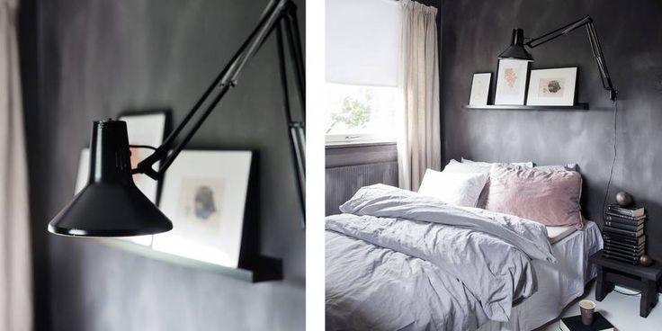 1.Skrivebordslampen fra 1970-tallet ble satt igjen av de tidligere eierne, og Birgit har spraylakkert den sånn at den passer perfekt til veggen på soverommet. 2. Den matte veggen sammen med tekstilene i lin gjør soverommet lunt. Sengetøyet er fra Home & Cottage, krakken er laget av Birgits bestefar, lampen sto her da de flyttet inn og hyllen er fra Ikea. Veggen er malt i fargen Black Truffle.