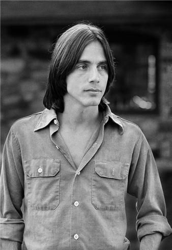 Jackson Browne, 1977.  photo by Joel Bernstein