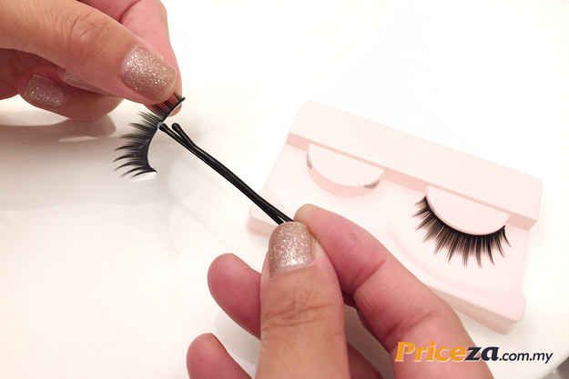 Or use a bobby pin to apply the eyelash glue.