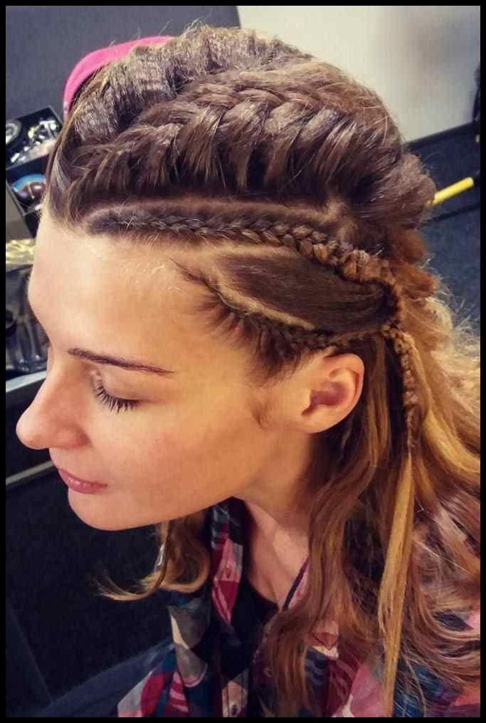 Vikings Lagertha Hair Tutorial Hair Pinterest Schnelle Und Frisuren Tutorials Viking Frisur Flechtfrisuren Geflochtene Frisuren