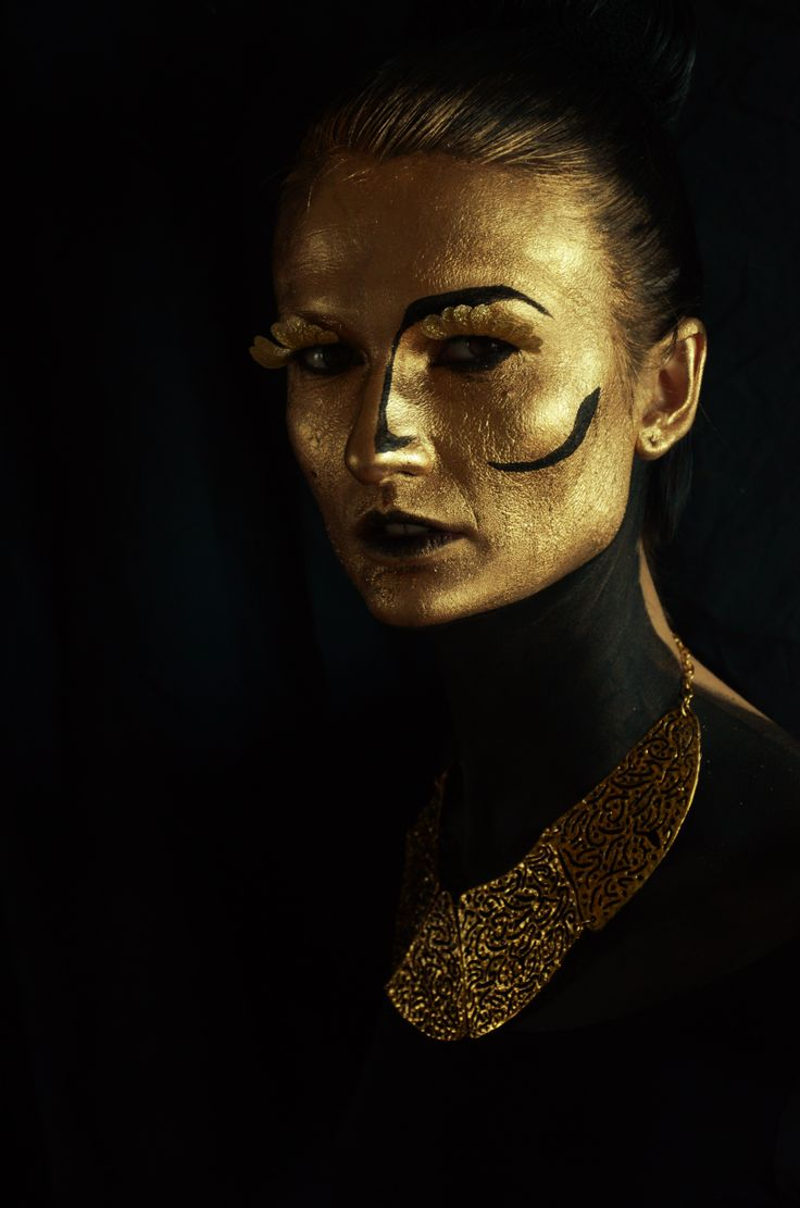 Avatar (3D effect) Make-up & hair: Alexandra Baietan Photography: Andreea Popa Model: Oana Iorgulescu https://www.facebook.com/oana.iorgulescu