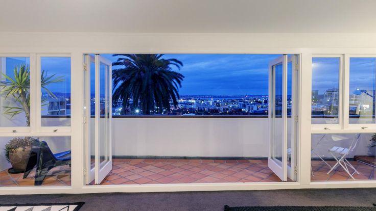 Prepare to be blown away! - Eden Terrace, Auckland City - 1650813