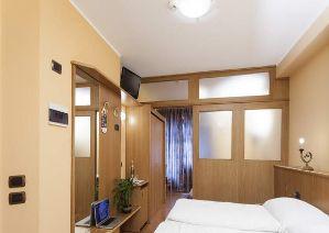 http://www.hotel-livigno.com/hotel-dettaglio/47/Hotel-Lanz