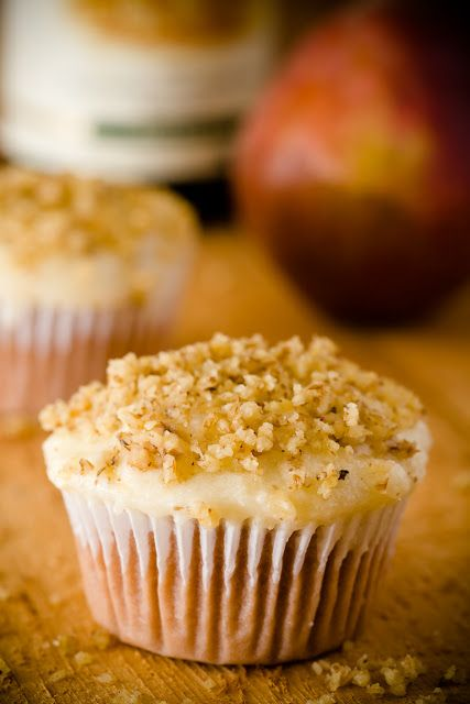 Riesling Cupcakes with Pear Mascarpone Frosting (Gluten-Free Cupcakes)