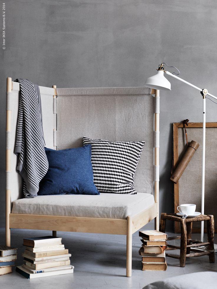 IKEA PS 2014 hörnfåtölj skärmar av mot omvärlden och är som gjord för inbunden sträckläsning! RANARP golv/läslampa, STOCKHOLM kudde, ORMKAKTUS kuddfodral, IKEA 365+ tekopp med fat, ORMHASSEL pläd.