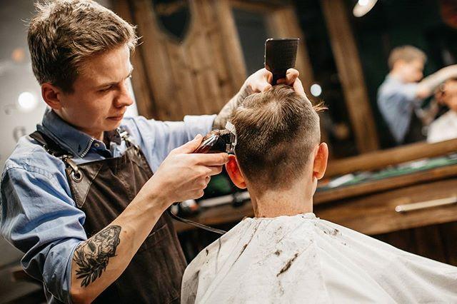 WEBSTA @ frisorworkshop - Как обладатели независимого мышления мы знаем толк в индивидуальных образах и привносим свою лепту в классическое искусство.#frisorworkshop #frisor #barbershop #barber #barberua #барбершоп #фризор #kiev #kyiv #киев