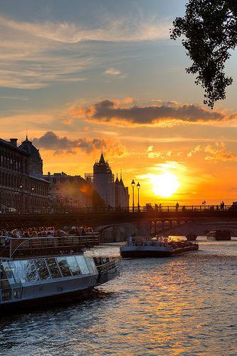 Les 127 meilleures images du tableau coucher de soleil sur pinterest couchers de soleil - Lever et coucher du soleil paris ...