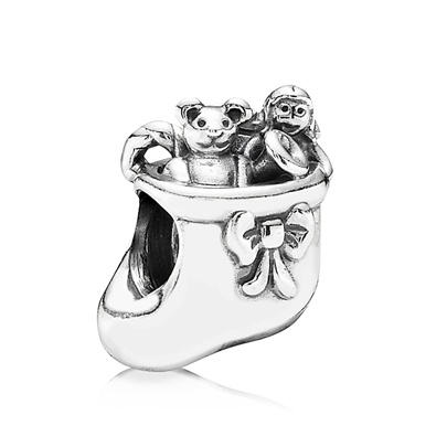 £25.00Pandora Sterling Silver Christmas Stocking Bead 791038