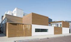 V12K0102 house by Pasel Kuenzel Architects in the Dutch university city of Leiden