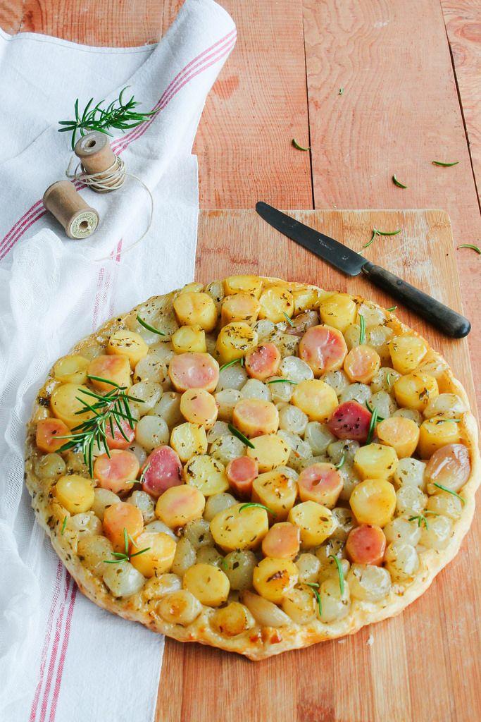Tarte Tatin de Pommes de Terre {vegan} #recette #tarte #salé @ Aime & Mange