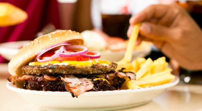 Skąd się wzięły nazwy posiłków? * * * * * * www.polskieradio.pl YOU TUBE www.youtube.com/user/polskieradiopl FACEBOOK www.facebook.com/polskieradiopl?ref=hl INSTAGRAM www.instagram.com/polskieradio