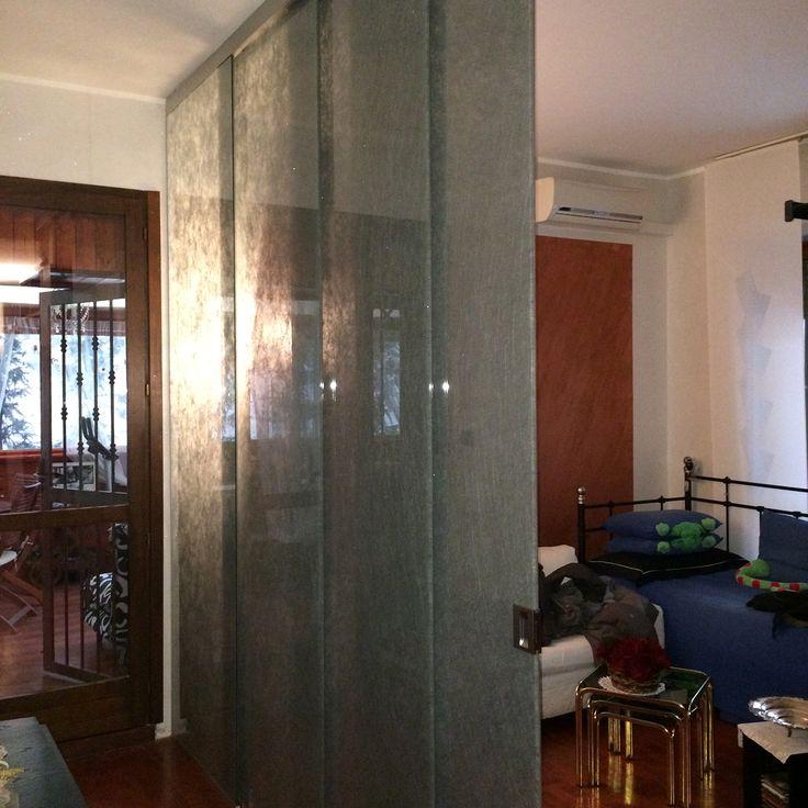 Scorrevole a trascinamento in vetro stratificato temprato con tessuto interno