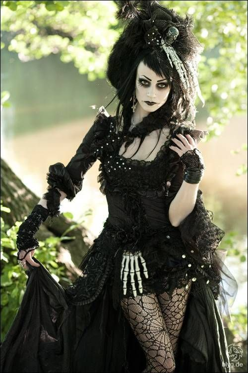 Gothic Style Cerca Con Google Gothic Style Pinterest Models Posts And Victorian