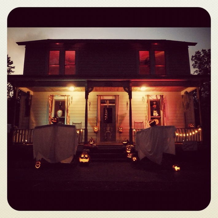 the original halloween home of michael myers coldwell banker blue matter - Michael Myers Halloween Decorations