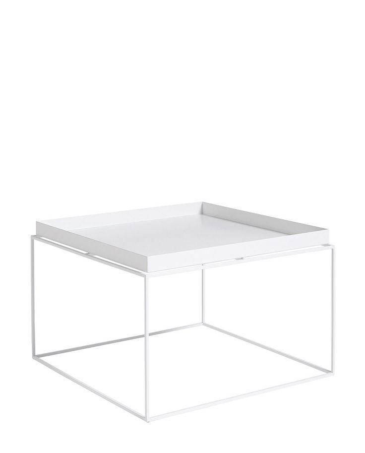 Mit diesem Metall-Tisch zeigt Hay in gewohnt gekonnter Weise, wie man ein Objekt für den alltäglichen Gebrauch in minimalistischer Art klar und modern gestaltet.