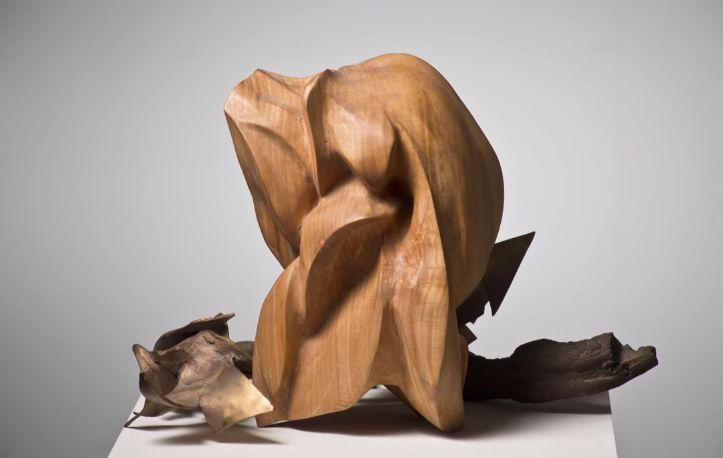 """Luigi Turati, scultura della mostra """"Esplosione di Vita"""" con la collaborazione di Regina Anzalone, 2015"""