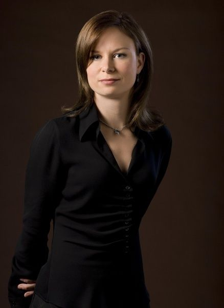24 MARY LYNN RAJSKUB - Lovely to see without the scowl. Fun part though. My favorite character.
