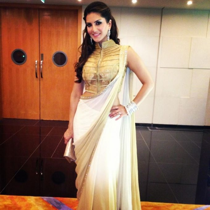 Sunny Leone In Gold & White #Saree With A Stunning Gold #Blouse.