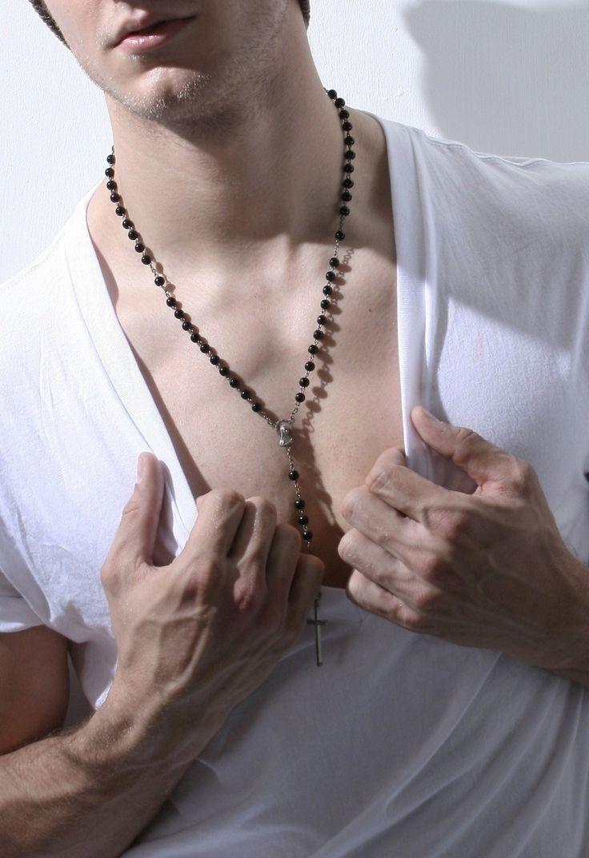 tago roman gay custume